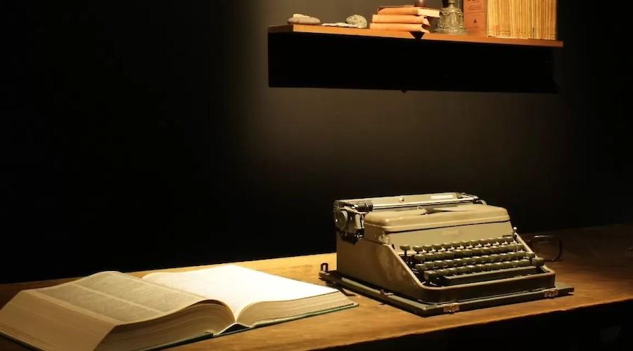 Colóquio sobre tradução e edição